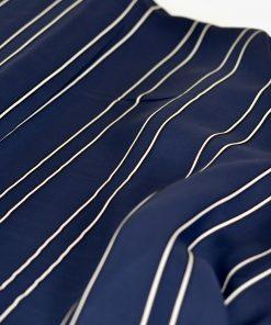 Viskose dunkelblau mit Streifen