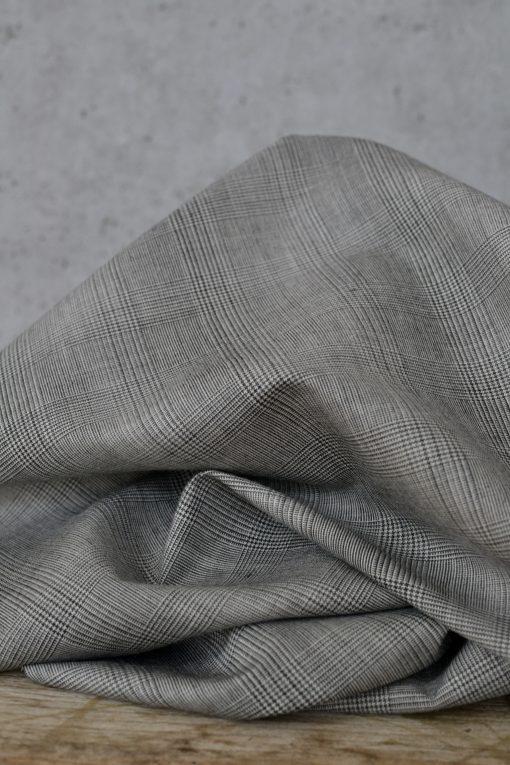 Leichte Wolle Designerüberhang