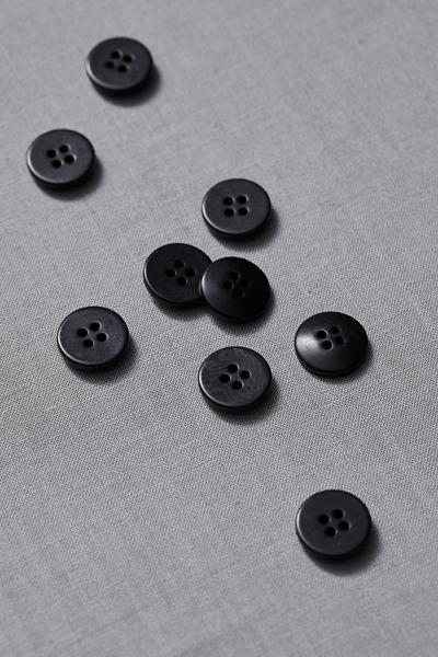 Plain Corozo Button Black